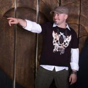 http://djmiller.hu/media/gallery/sajtofotok2008/Thumbnails/thumbnail_180_Miller_2008_11.jpg