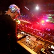 http://djmiller.hu/media/gallery/work/Thumbnails/thumbnail_180_carousel14.jpg